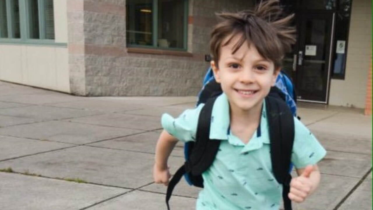 Kindergartener leaves school alone, walks mile home unnoticed; dad steamed