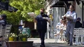 Virus Outbreak-Restaurants