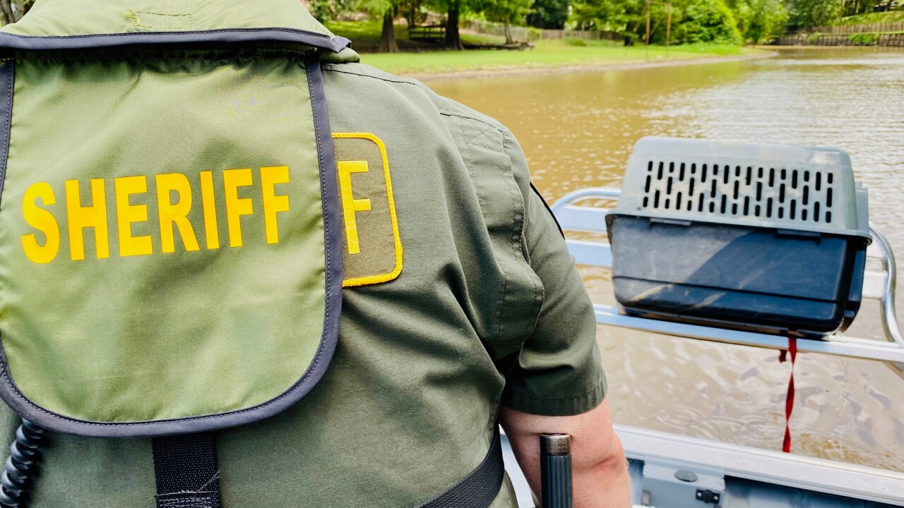 Animal crate found floating in Vermilion River