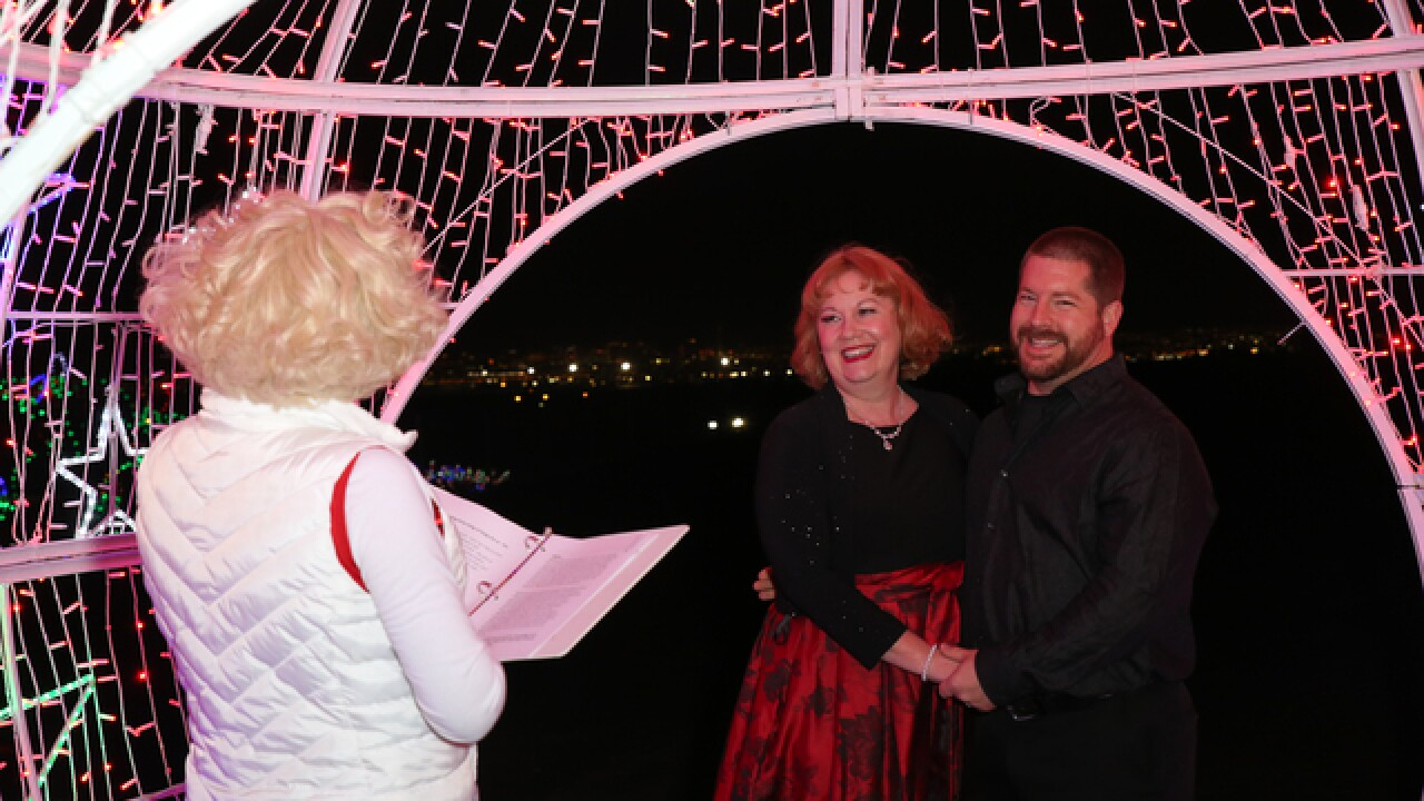 Montana couple gets married at Glittering Lights