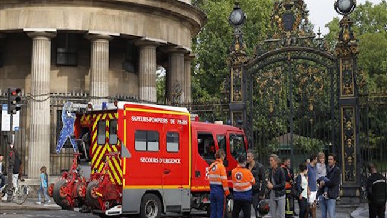 Lightning injures dozens in France, Germany