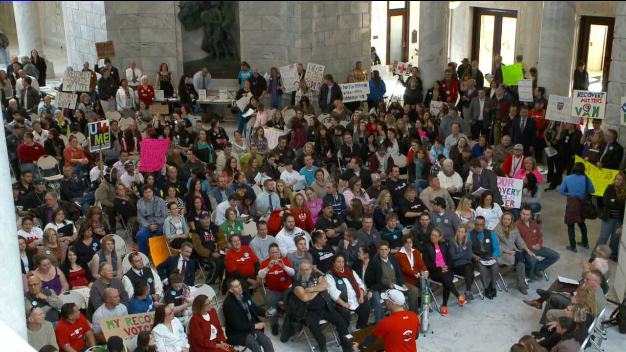 Utahns rally in support of expanding Medicaid