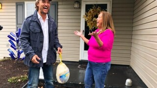 Matthew McConaughey delivers turkeys to Kentucky families