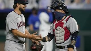 Brad Hand, Sandy Leon Cleveland Indians