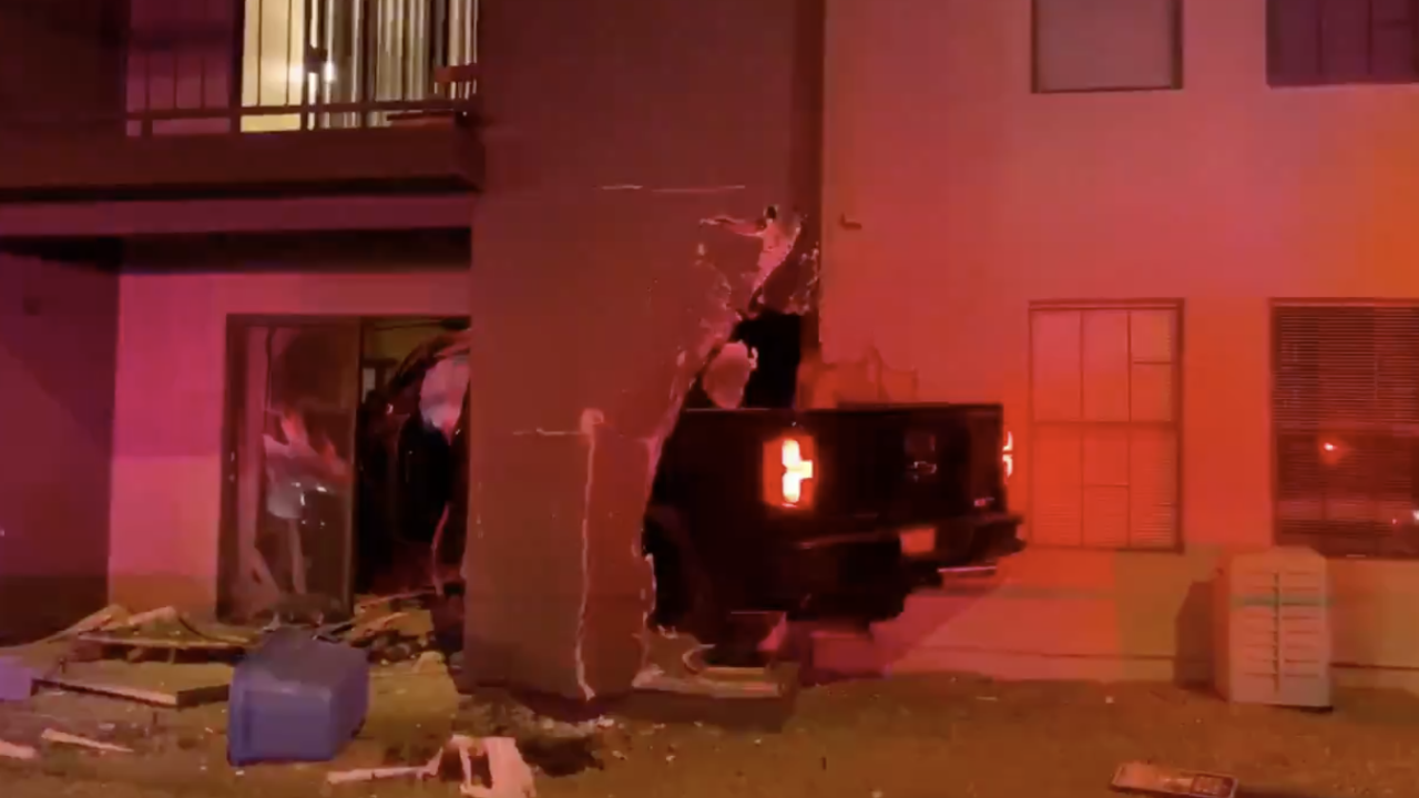Truck plows into apartment complex near Lindsay and McKellips