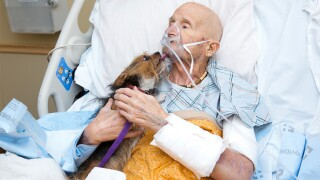 Military veteran in hospice care reunites with beloved dog for final goodbye
