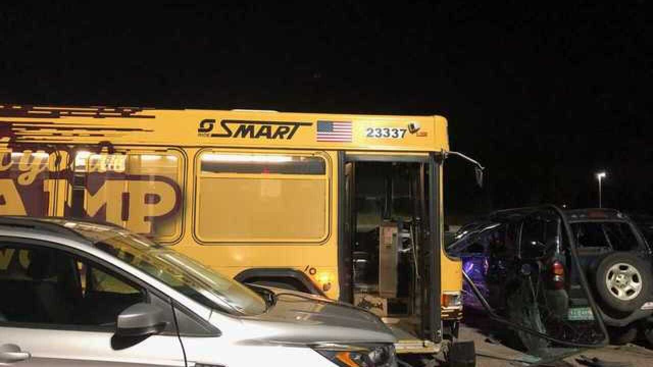 9 injured in bus crash in Troy