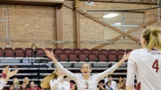 FSU Volleyball takes down No. 14 Gators on emotional night