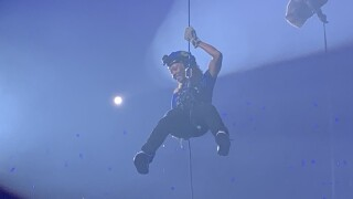 Elzy rappels from the rafters