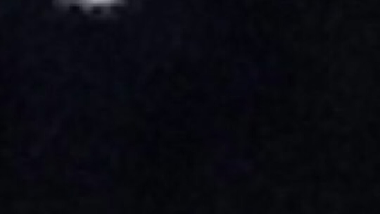 Woman claims UFO sighting in North Las Vegas