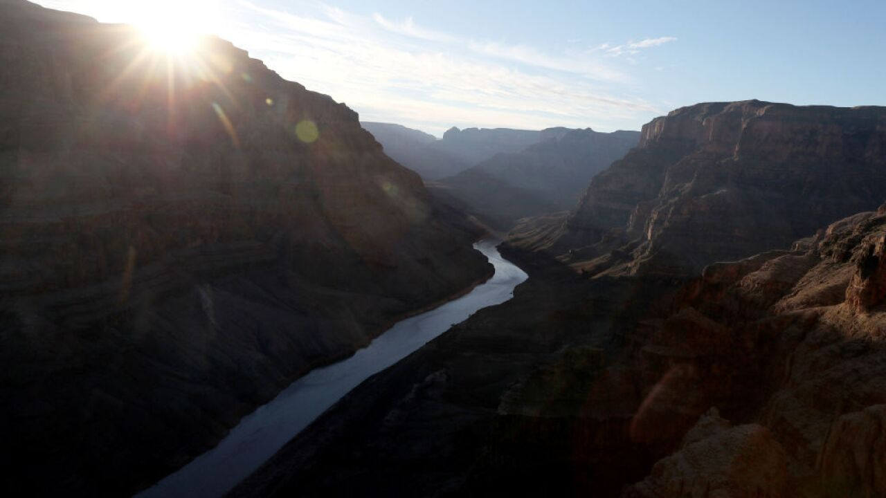 Seventy-year-old falls to her death at Grand Canyon