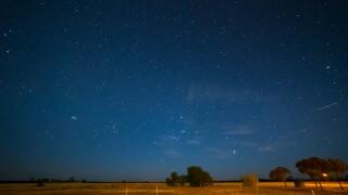 graphicstock-night-sky-hyden-western-australia_BdWeW0swesx.jpg