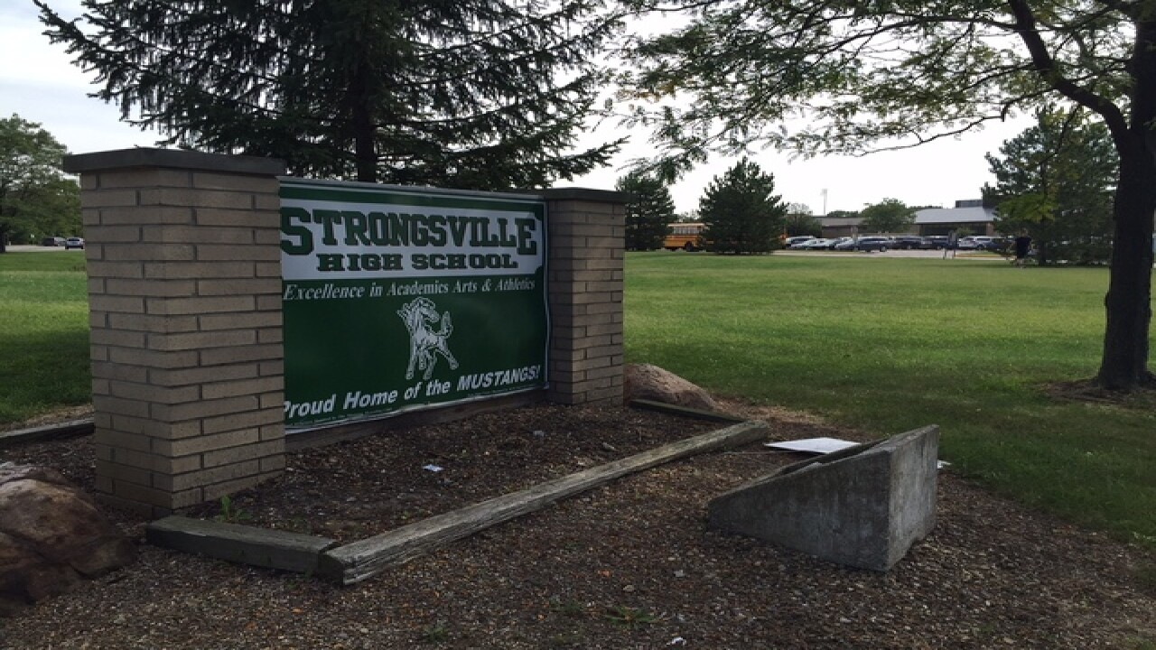 3 deer found dead outside Strongsville school