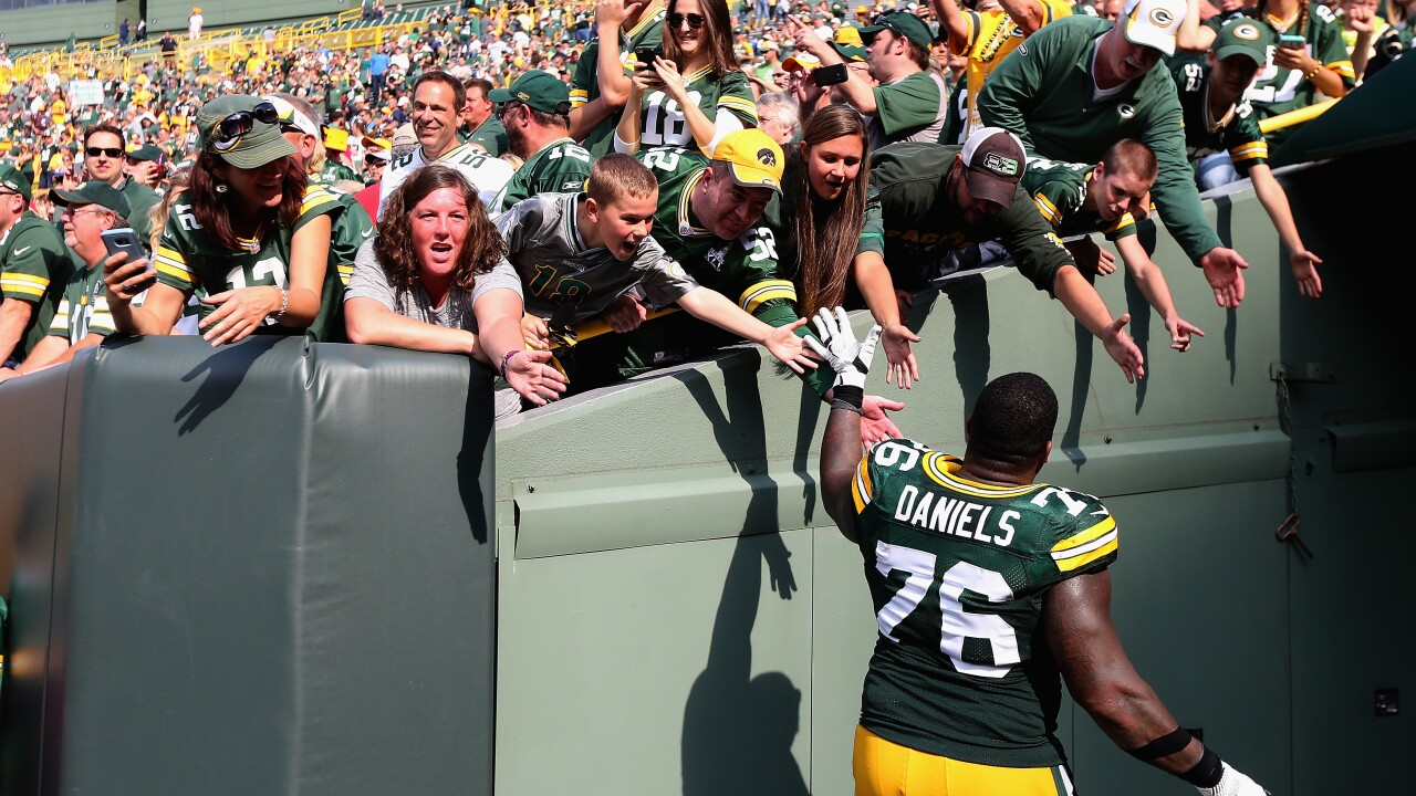 Mike Daniels says goodbye to Packers fans