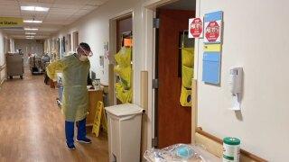 COVID-19-hospitalizations-Sarasota-Memorial-Hospital-1.jpg