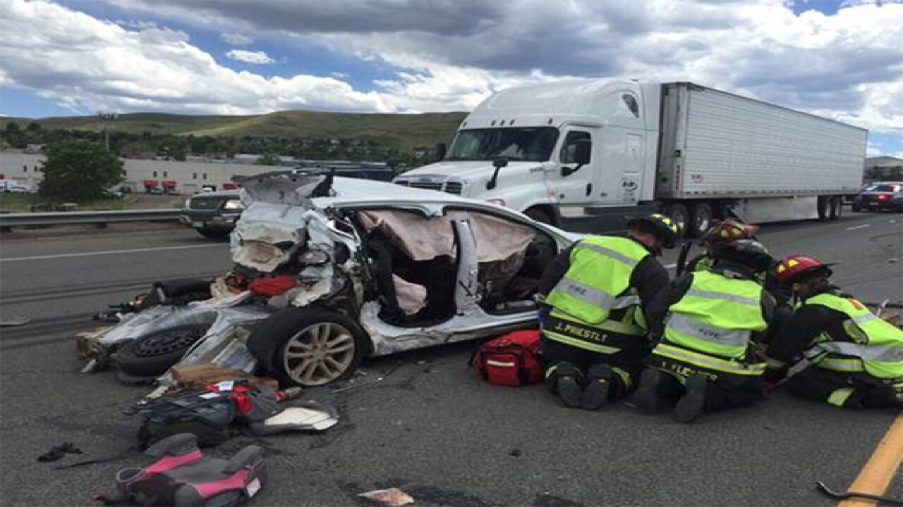 3-vehicle crash leaves 5 hurt on I-70 in Golden