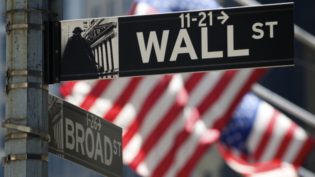 Dow Jones Industrial Average crosses 20,000 mark for the first time