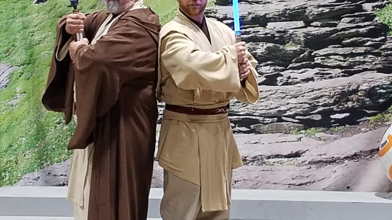 Obi Wan Kenobi cosplayers