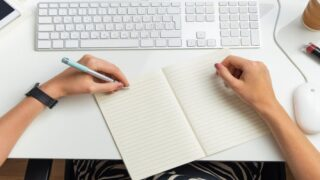 Pens Designed Specifically For Left-Handed People Make Life So Much Easier