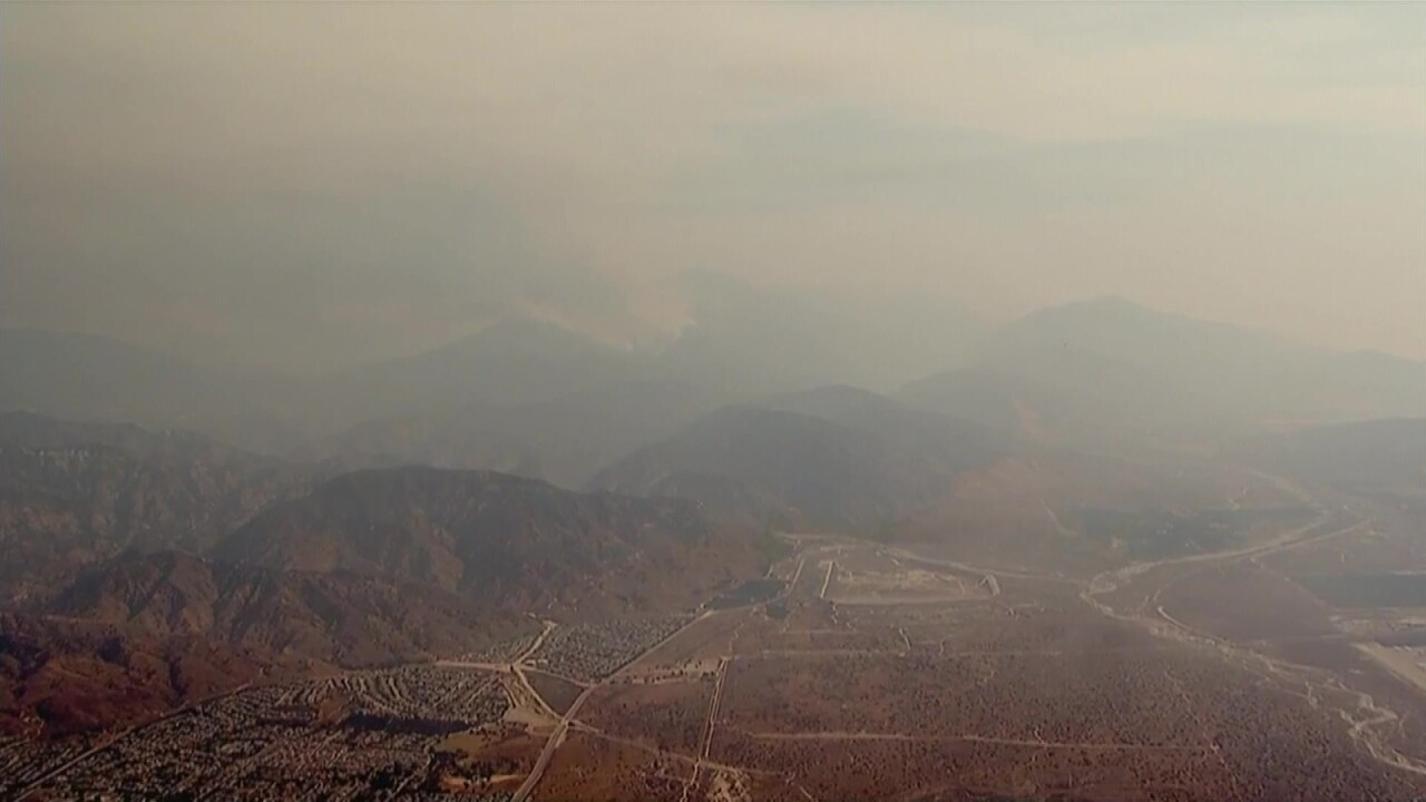 Smoke traveling from western wildfires spreads bad air quality across the US