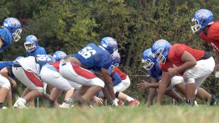 Kempsville football moves on from 63-game losing streak, team rallies around teammate whose house burneddown