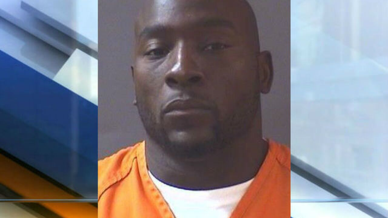 Former Colt Robert Mathis arrested on OWI charge