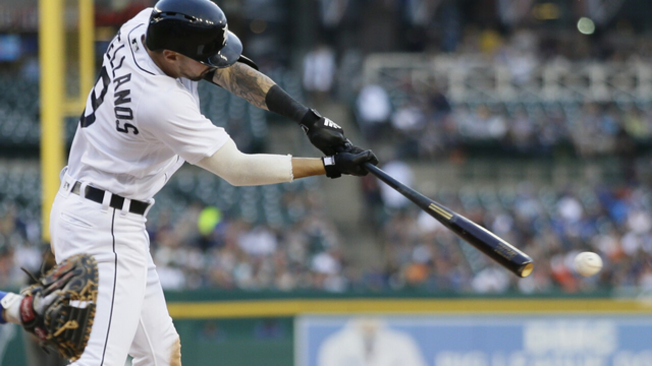 Nicholas Castellanos homers, helps lift Tigers over Blue Jays