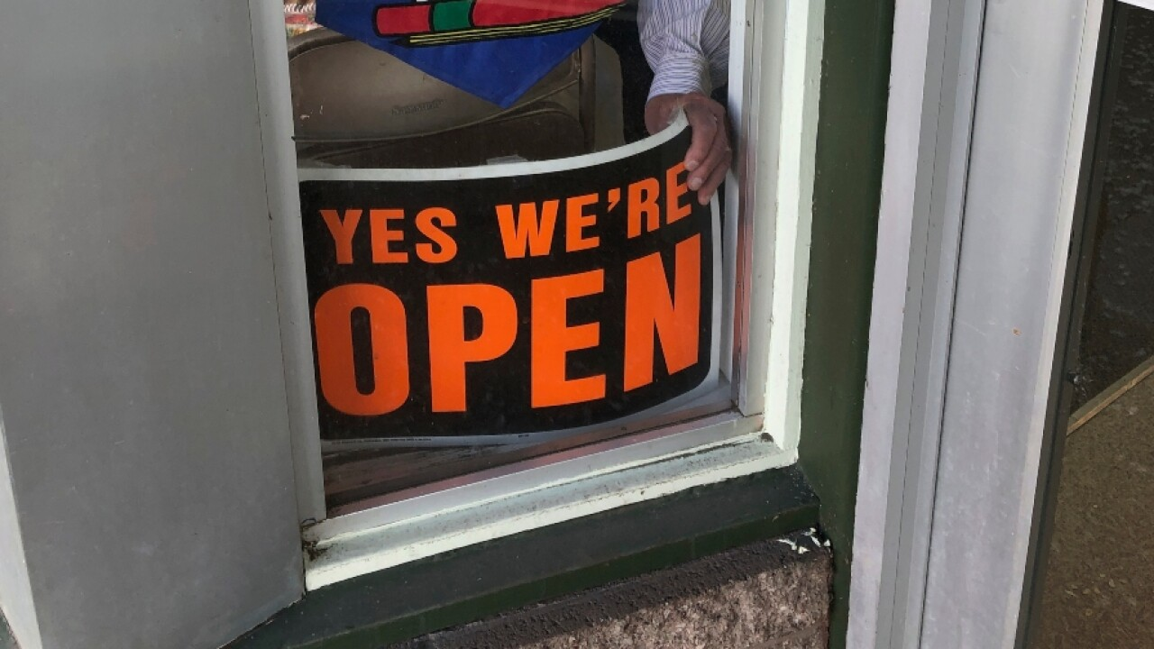 yes_were_open_sign.jpg