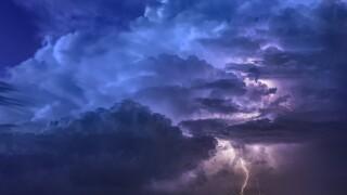 thunderstorm-3441687_1920.jpg