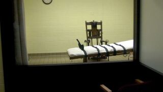 Federal judge halts 9 planned executions in Arkansas