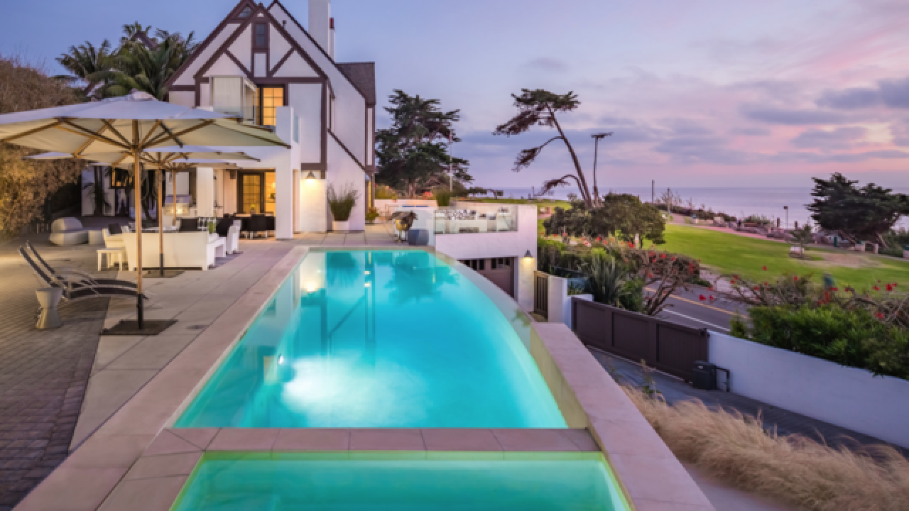 Del Mar modern home built in historic building