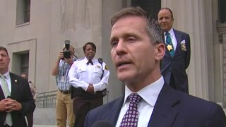 Prosecutor declines to charge Greitens