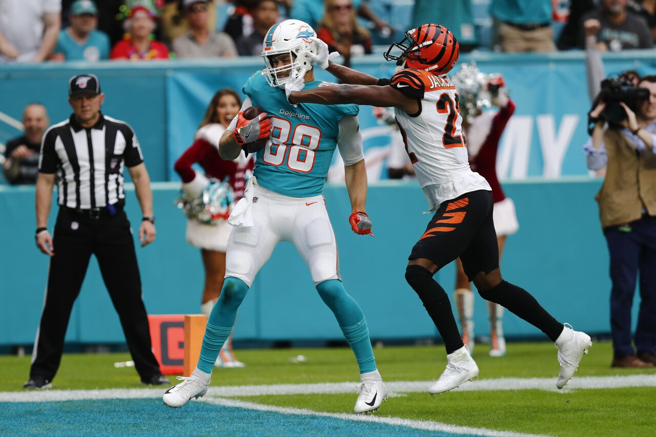 Cincinnati Bengals safety Williams Jackson pushes Miami Dolphins tight end Mike Gesicki in 2019
