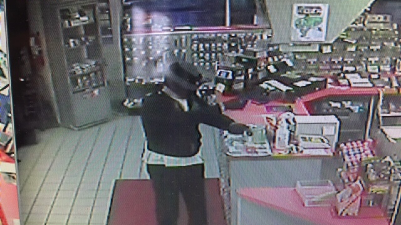 PD: Armed man robbed Mount Orab gas station