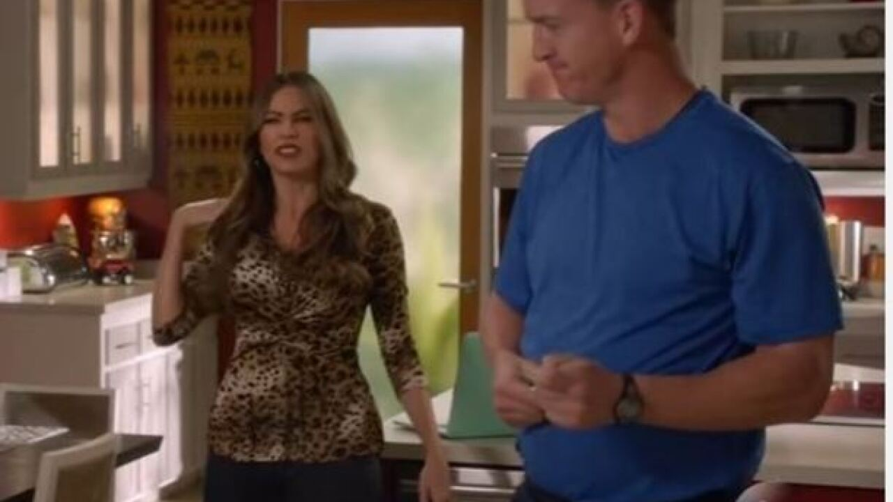 Peyton Manning guest stars on ABC's 'Modern Family'