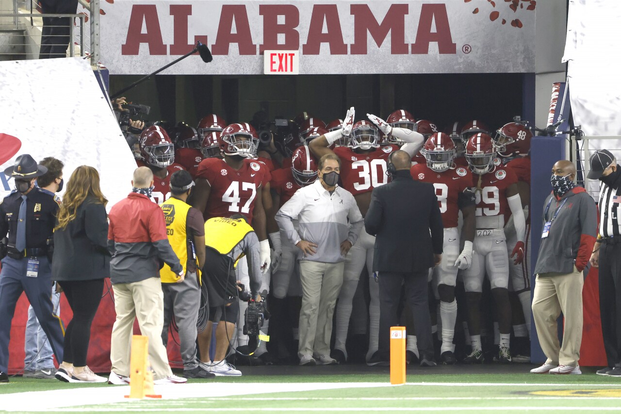 Alabama head coach Nick Saban and team wait to take field before College Football Playoff semifinal at Rose Bowl