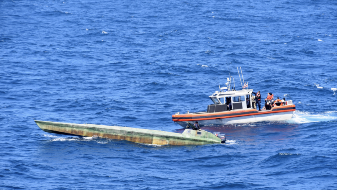 Coast guard offloads drugs 3-23