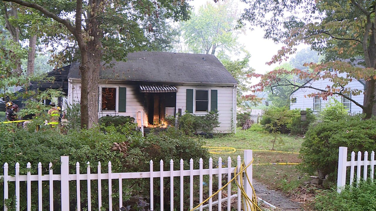 Family escapes Chesterfield housefire