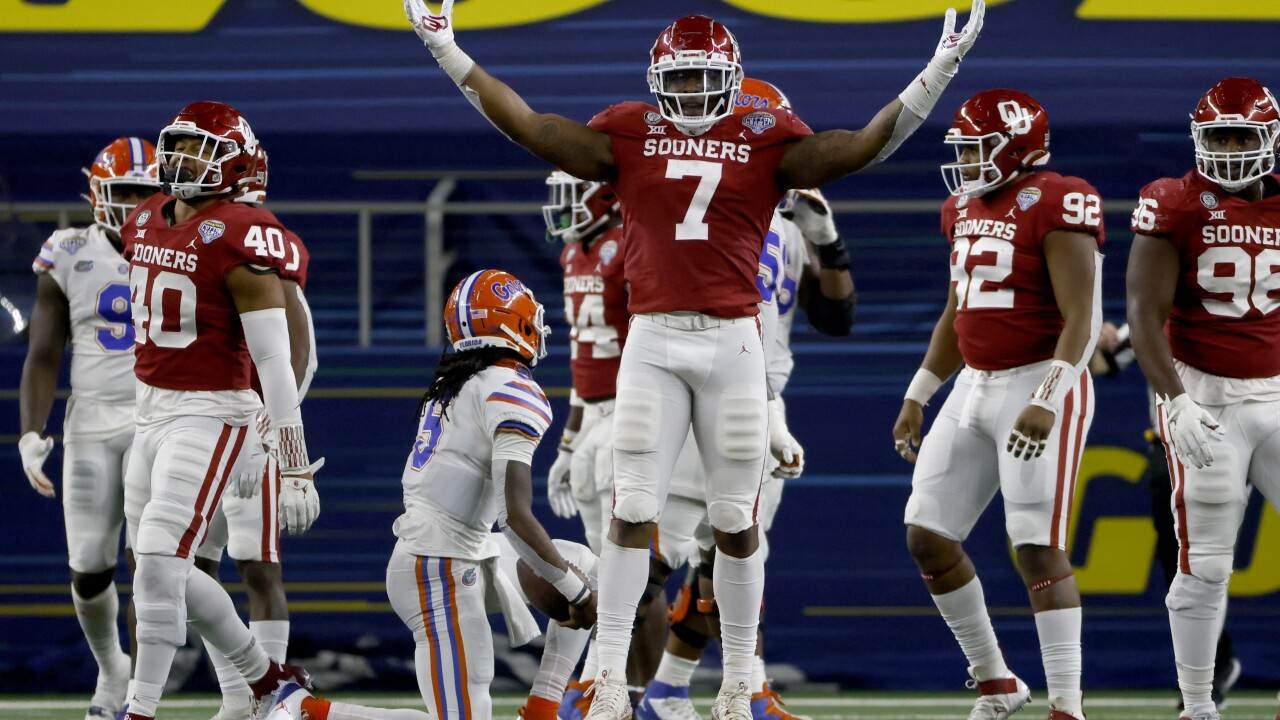 Oklahoma Sooners defensive end Ronnie Perkins celebrates after sacking Florida Gators QB Emory Jones in 2020 Cotton Bowl