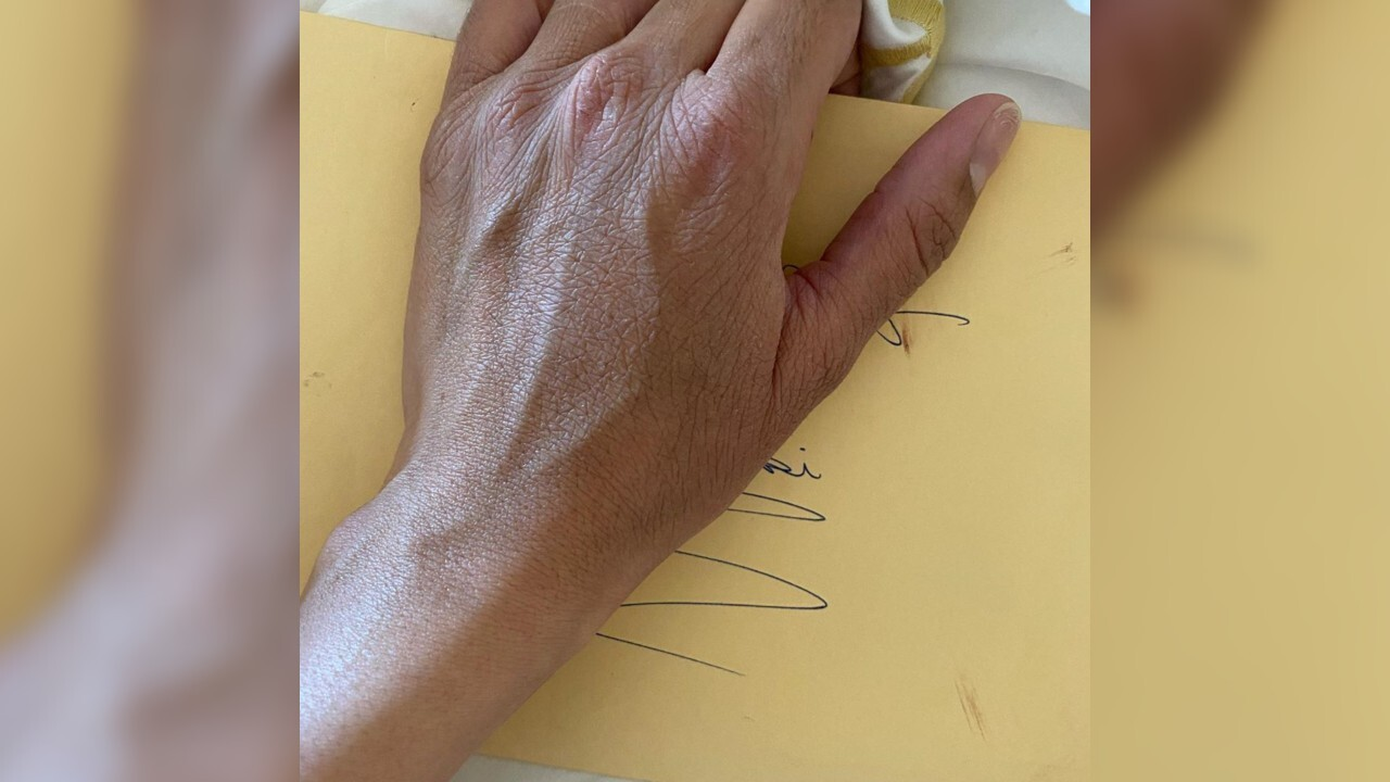 Vanessa Bryant discovers letter Kobe wrote her before his death