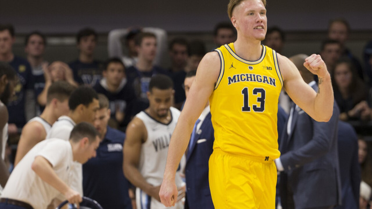 AP Poll: Michigan leaps into top 10, Michigan State still No. 11