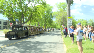 Helena Middle School hosts train parade