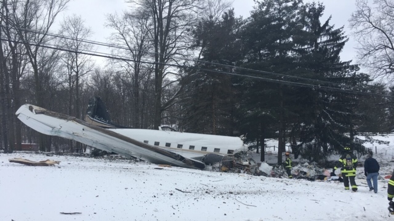 2 people killed in plane crash in Wayne County identified