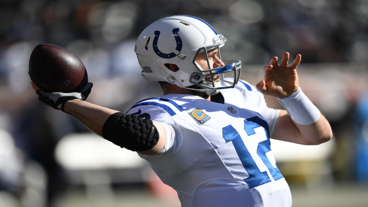 PHOTOS: Colts v Raiders