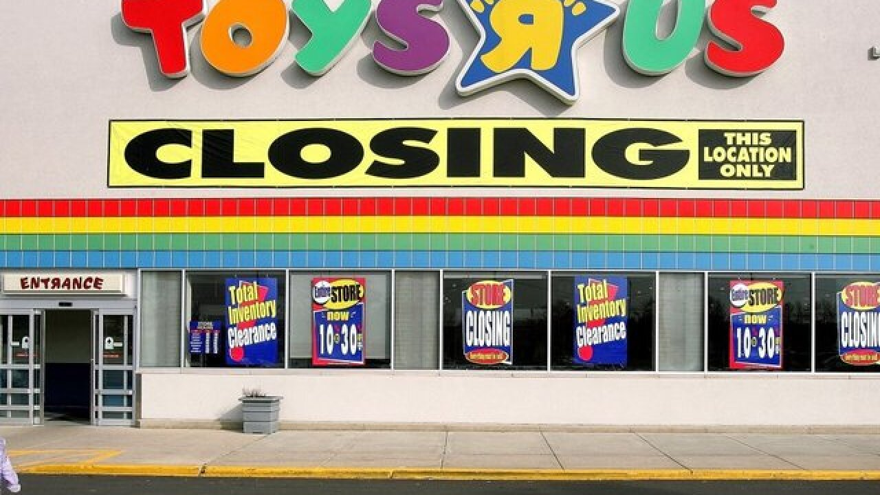 Toys 'R' Us will close for good this week