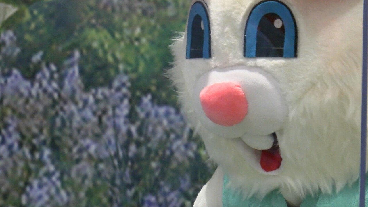 Missoula Cabela's hosts Easter Bunny photos