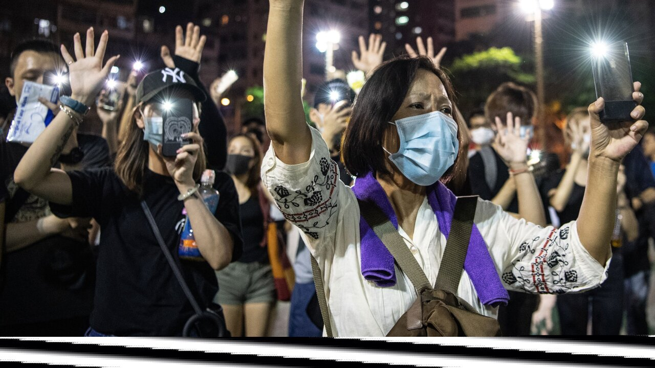 Hong Kong mask ban leads to weekend of violent and destructive protests