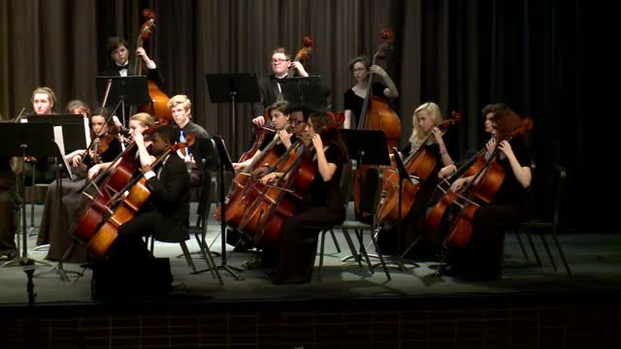 Sounds of the Season – Menchville HighOrchestra