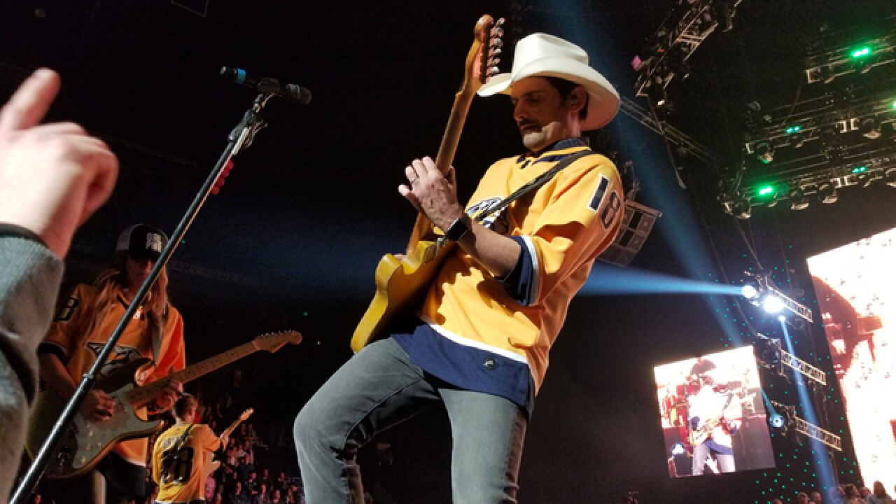 Brad Paisley to hold free show at Tootsie's