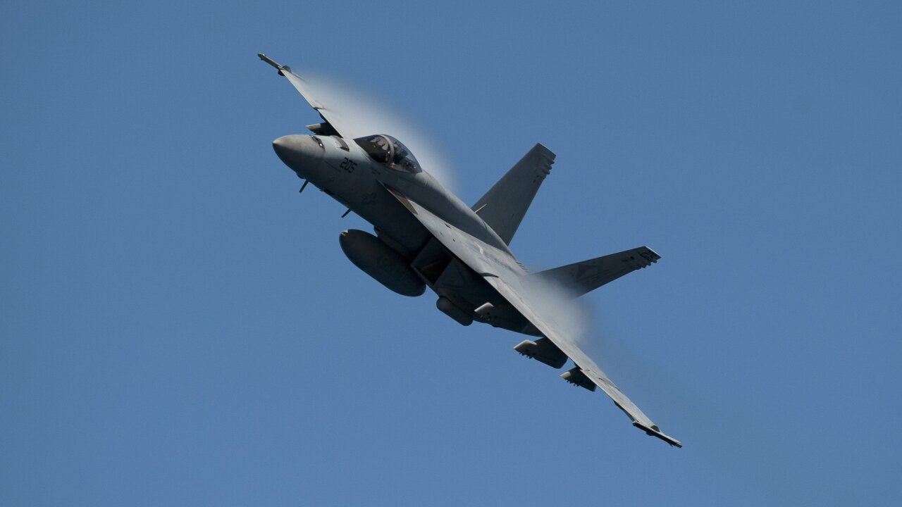 Navy: New aviator incentives starting to have animpact